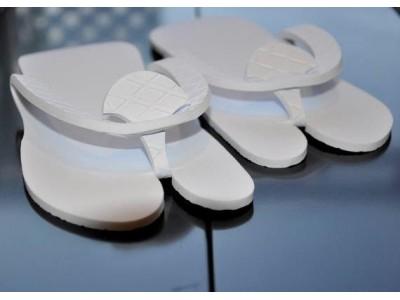Boite de 10 paires de Mules Tong femme blanches jetables 5 mm